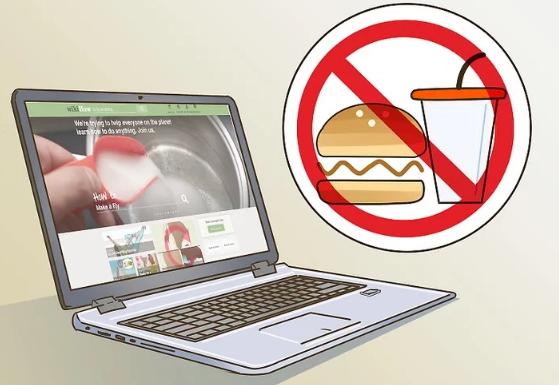 در صورت امکان مایعات و غذاها را از لپ تاپ خود دور نگه دارید